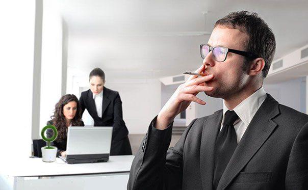 Пречиствателят Hygea Air Desktop премахва различни замърсявания от въздуха в офиса